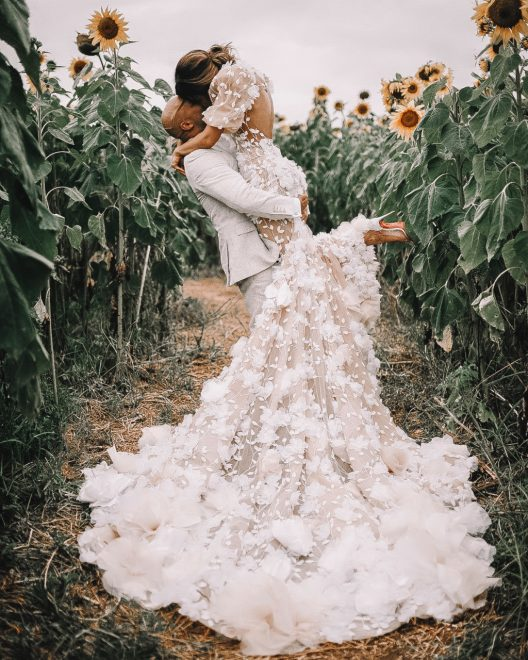Pia, muehlenbeck, kane, vato, wedding, byron, hair, style, location, hitched